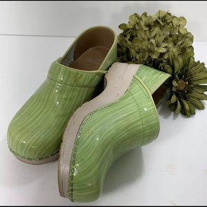 Dansko Clogs Green White Brush Stroke Size 36